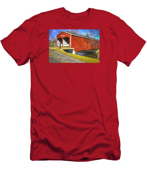 Roberts Covered Bridge Men's T-Shirt (Athletic Fit)