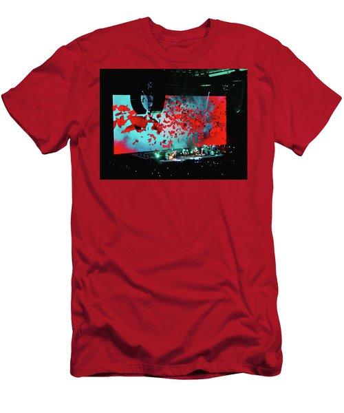 Roger Waters Tour 2017 - Wish You Were Here IIi Men's T-Shirt (Athletic Fit)