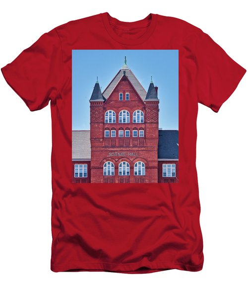 Science Hall - Uw Madison - Wisconsin Men's T-Shirt (Athletic Fit)