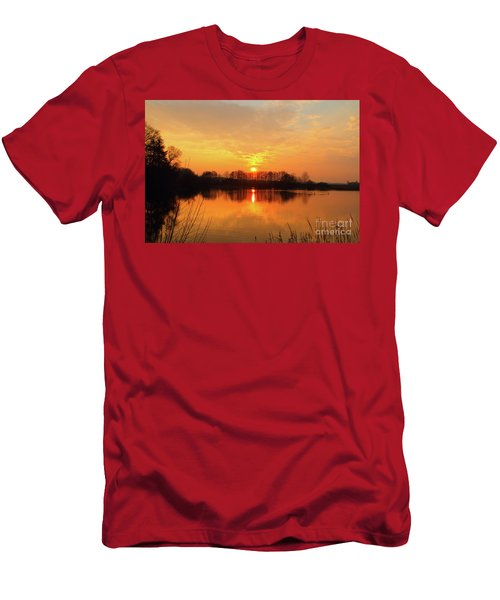 The Waal Men's T-Shirt (Athletic Fit)