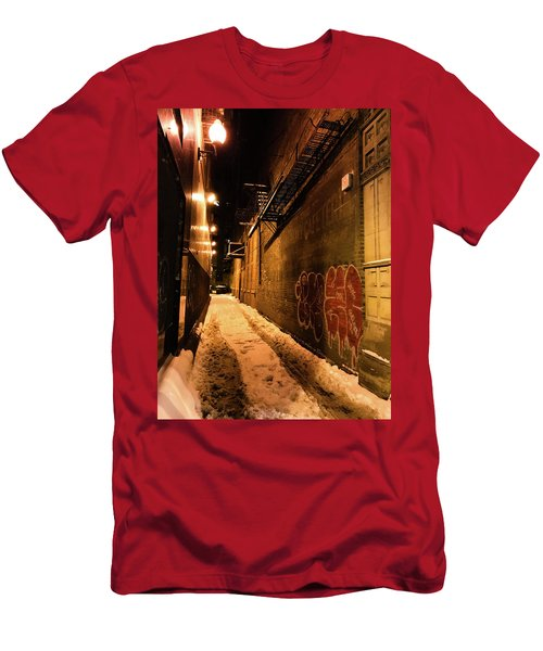 Chicago Alleyway At Night Men's T-Shirt (Athletic Fit)