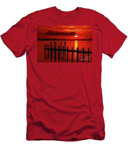 Fireball And Pier Sunrise Men's T-Shirt (Athletic Fit)