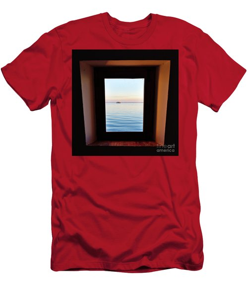 Framing The Frame Men's T-Shirt (Athletic Fit)