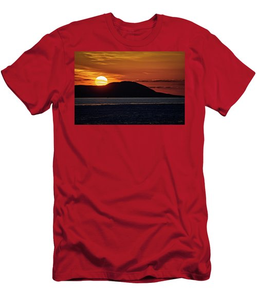 Men's T-Shirt (Athletic Fit) featuring the photograph Goodnight Superior by Doug Gibbons