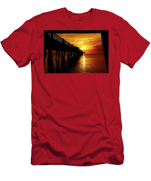 Juno Pier 3 Men's T-Shirt (Athletic Fit)