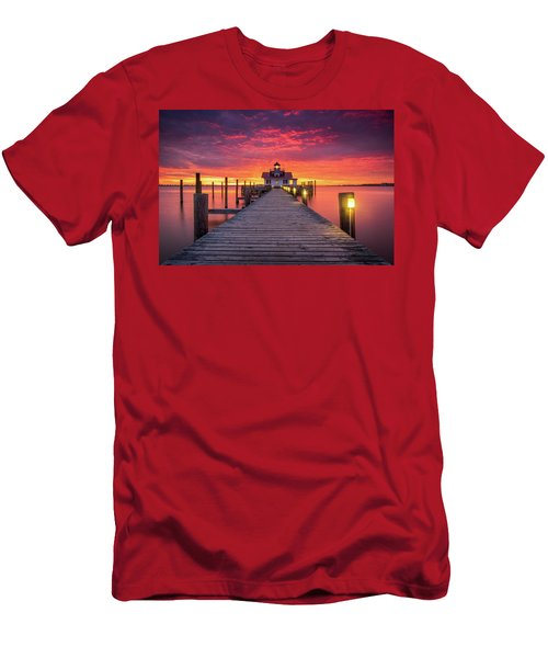 North Carolina Outer Banks Manteo Lighthouse Obx Nc Men's T-Shirt (Athletic Fit)
