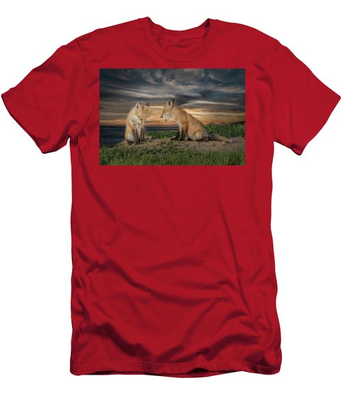 Red Fox Kits - Past Curfew Men's T-Shirt (Athletic Fit)