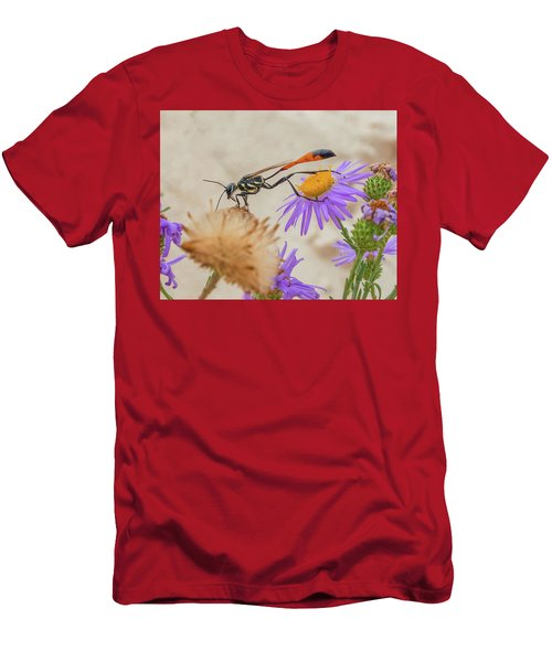 Wasp At White Sands Men's T-Shirt (Athletic Fit)