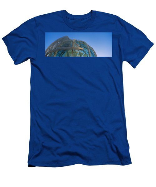 Low Angle View Of A City Hall, Downtown Men's T-Shirt (Athletic Fit)