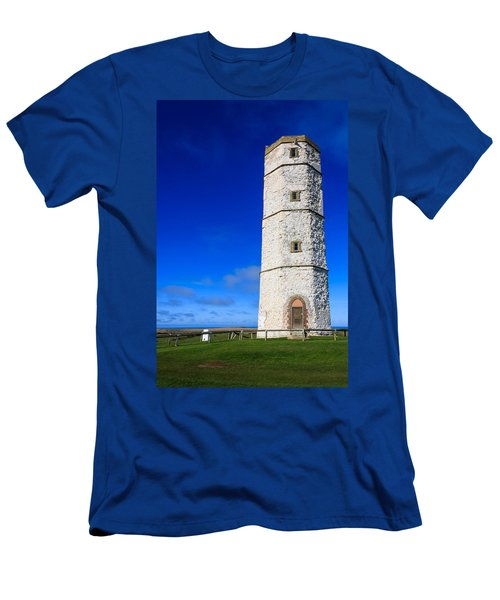 Old Lighthouse Flamborough Men's T-Shirt (Athletic Fit)