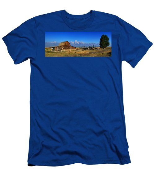 Antelope Barn Men's T-Shirt (Athletic Fit)