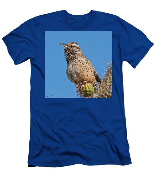 Cactus Wren Singing Men's T-Shirt (Athletic Fit)