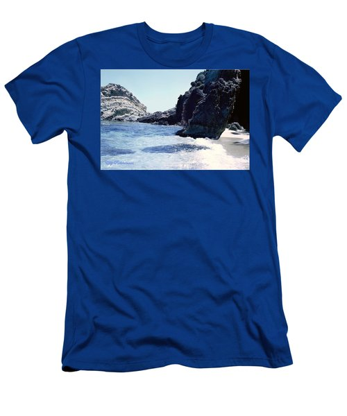 Calming Waves Men's T-Shirt (Athletic Fit)