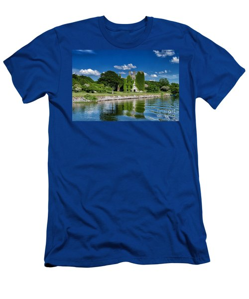 Castle Menlo  Men's T-Shirt (Athletic Fit)