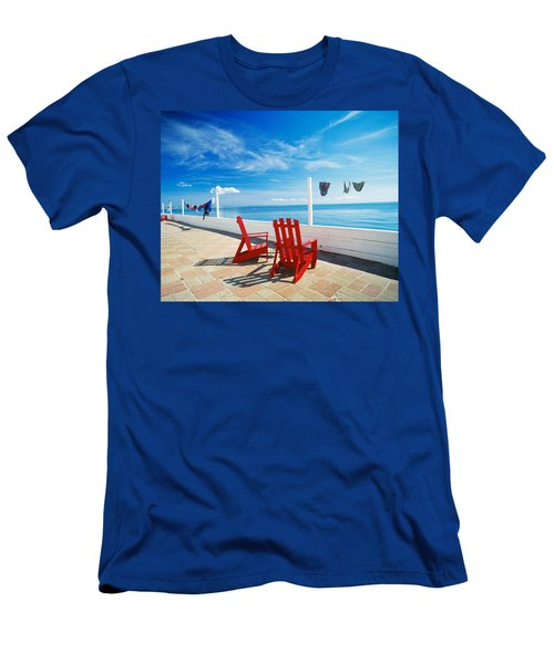 Chairs Cape Cod Ma Men's T-Shirt (Athletic Fit)