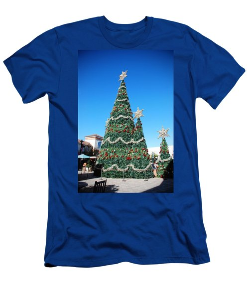 Courtyard Christmas Men's T-Shirt (Slim Fit) by Beverly Stapleton