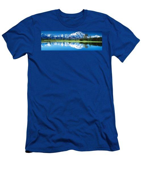 Denali National Park Ak Usa Men's T-Shirt (Athletic Fit)