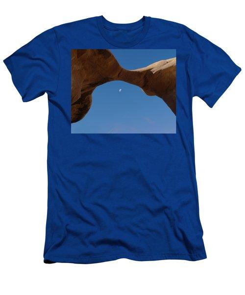 Devil's Garden Metate Arch 014  Men's T-Shirt (Athletic Fit)