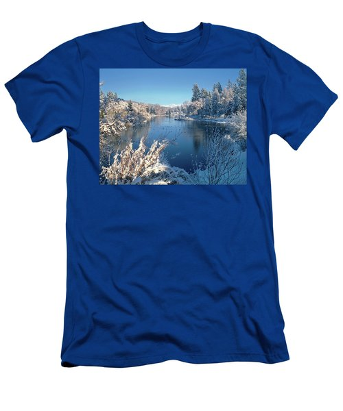 Drake Park Along Mirror Pond In Winter Men's T-Shirt (Athletic Fit)