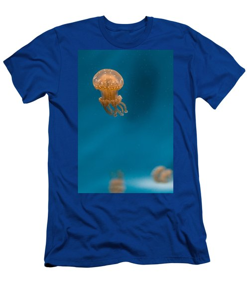 Hovering Spotted Jelly 2 Men's T-Shirt (Athletic Fit)