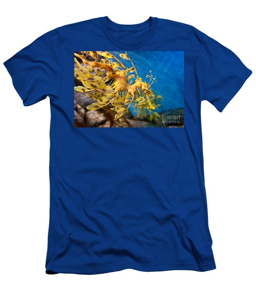 Leafy Sea Dragon Phycodurus Eques. Men's T-Shirt (Athletic Fit)