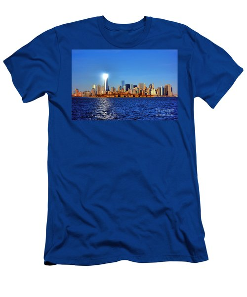 Lighthouse Manhattan Men's T-Shirt (Athletic Fit)