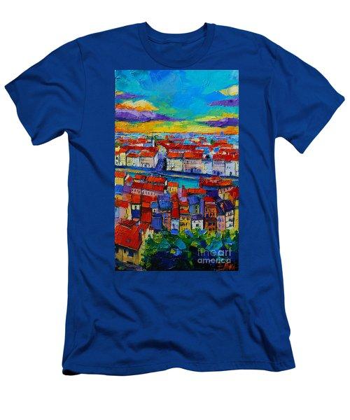 Lyon View - Triptych Center Panel Men's T-Shirt (Athletic Fit)