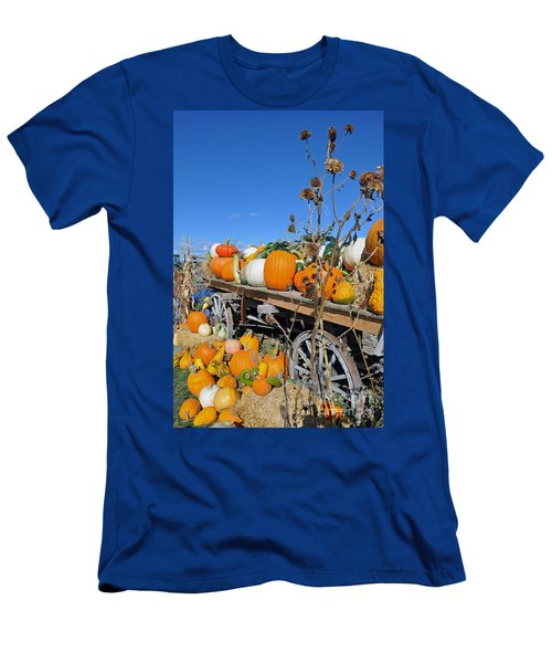 Pumpkin Farm Men's T-Shirt (Athletic Fit)