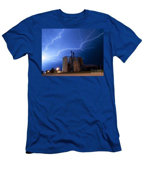 Rural Lightning Storm Men's T-Shirt (Athletic Fit)