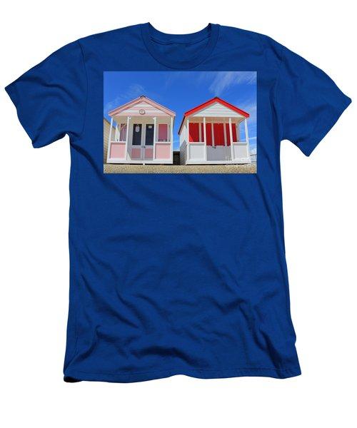 Southwold Beach Huts Men's T-Shirt (Athletic Fit)