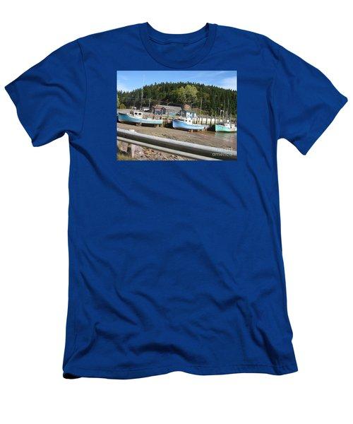St-martin's Fishing Fleet Men's T-Shirt (Slim Fit)