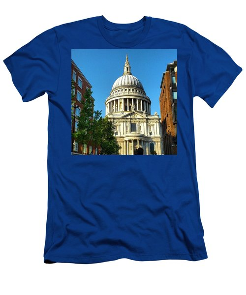 St. Paul's Cathedral London Men's T-Shirt (Athletic Fit)