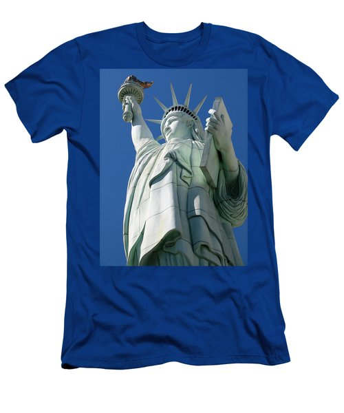 Statue Of Liberty Men's T-Shirt (Athletic Fit)