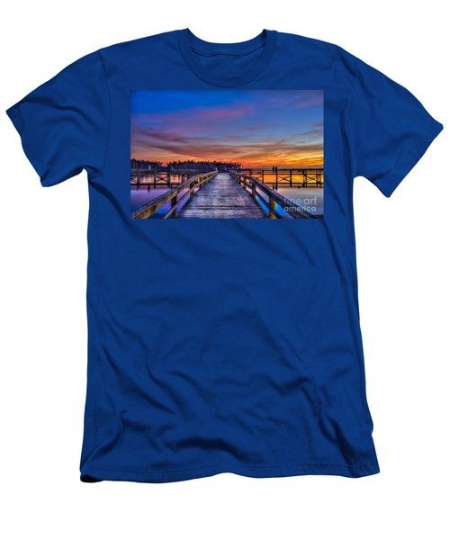 Sunset Pier Fishing Men's T-Shirt (Athletic Fit)