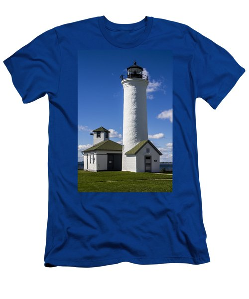 Tibbetts Point Lighthouse Men's T-Shirt (Athletic Fit)