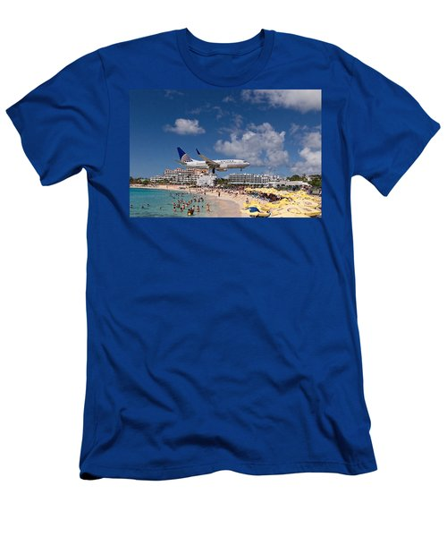 United Low Approach St Maarten Men's T-Shirt (Slim Fit) by David Gleeson