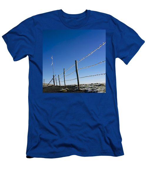 Fence Covered In Hoarfrost In Winter Men's T-Shirt (Athletic Fit)