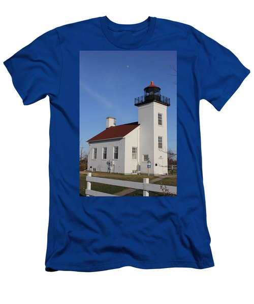 Sand Point Lighthouse Escanaba Men's T-Shirt (Athletic Fit)