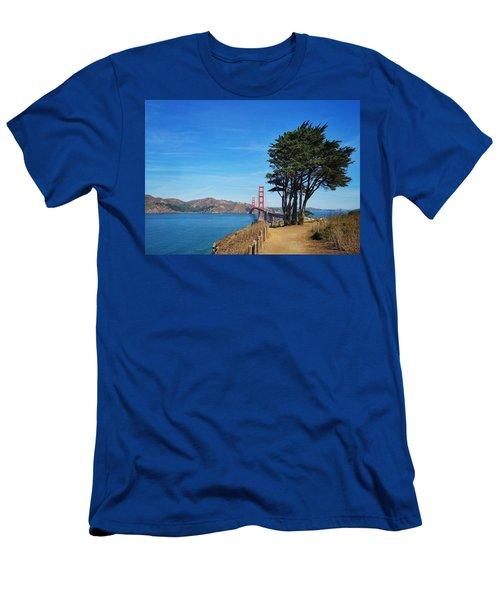 Golden Gate Bridge Men's T-Shirt (Athletic Fit)