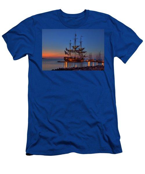 Lafayette's Hermione Voyage 2015 Men's T-Shirt (Athletic Fit)
