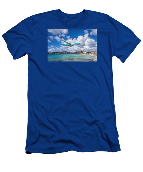 Tui Airlines Netherlands Landing At St. Maarten Airport. Men's T-Shirt (Slim Fit) by David Gleeson