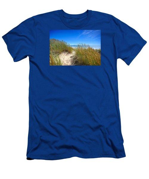 Cefn Sidan Beach 2 Men's T-Shirt (Athletic Fit)