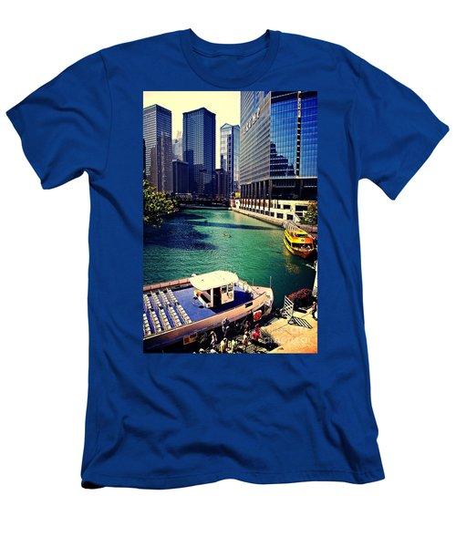 City Of Chicago - River Tour Men's T-Shirt (Athletic Fit)