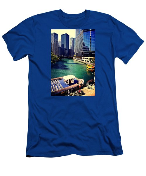 City Of Chicago - River Tour Men's T-Shirt (Athletic Fit)