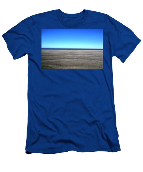 Cold Beach Day Men's T-Shirt (Athletic Fit)
