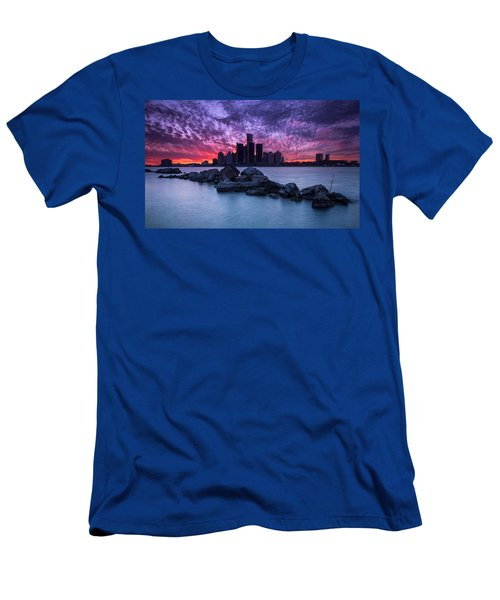 Detroit Skyline Clouds Men's T-Shirt (Athletic Fit)