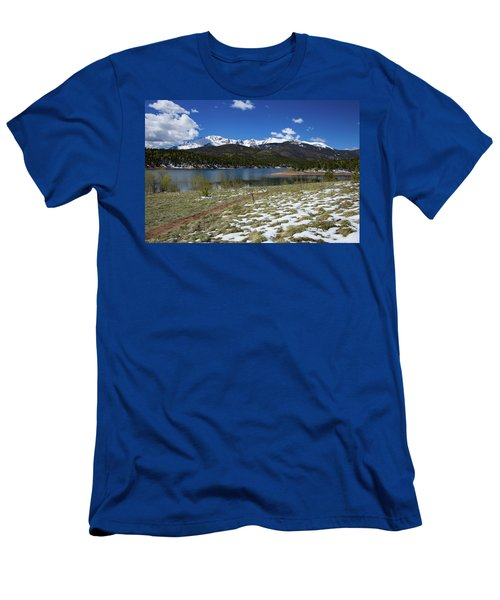 Fresh Snow Along The Banks Of Crystal Creek Reservoir With Pikes Men's T-Shirt (Athletic Fit)