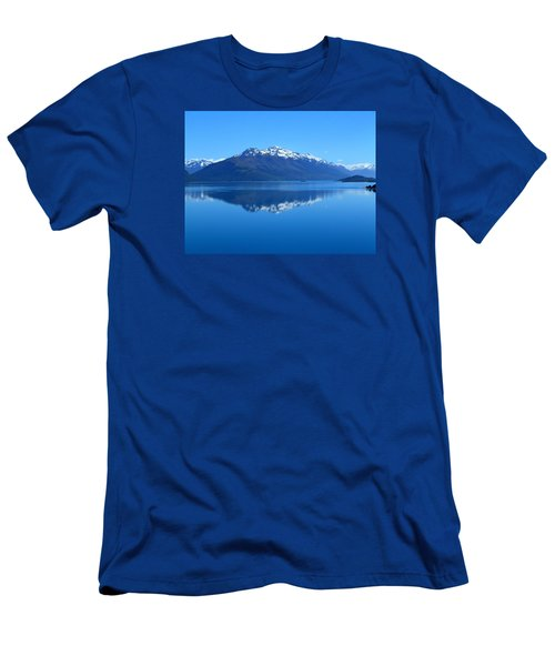 Glenorchy Road New Zealand Men's T-Shirt (Athletic Fit)