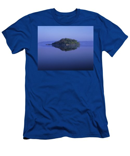 Isle Of Innisfree, Lough Gill, Co Men's T-Shirt (Athletic Fit)