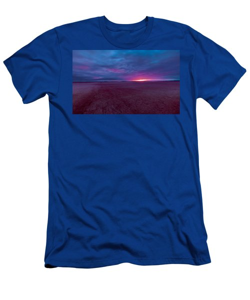 Men's T-Shirt (Athletic Fit) featuring the photograph Lake Ballard At Dawn by Julian Cook